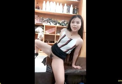 China lady seduces barber