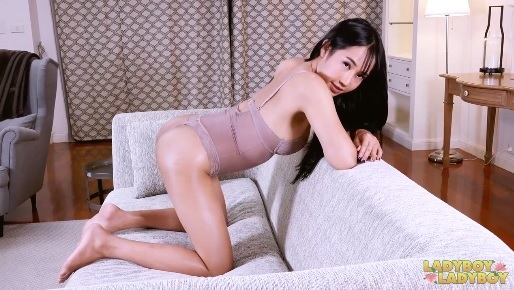 Fucks And Cums with Chinese Shemale