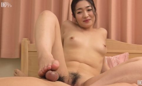 Leg movements of Japan girl are great
