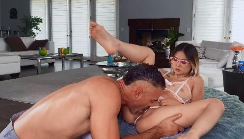 Singaporean Pussy Persuasion