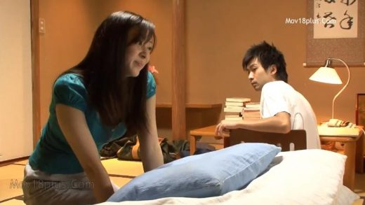 Japan girl Inexperienced Experience Of The Summer