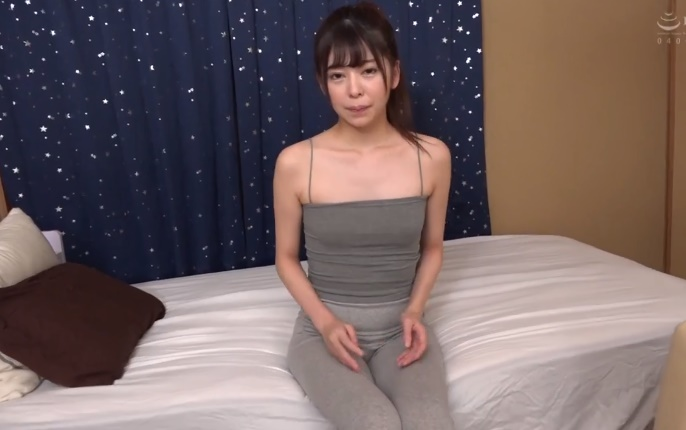 Small breasts Japanese girl with no bra