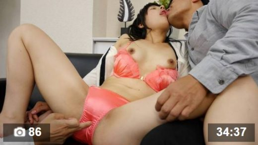 Japanese girl meets with customers as a new office girl and fucks him