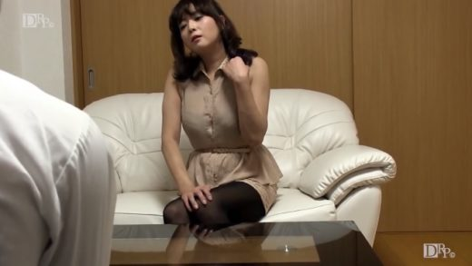 This hot Japan wife used to be a model