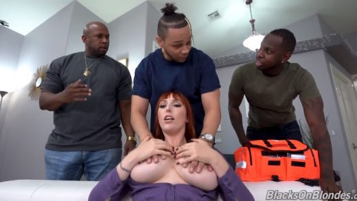 US Woman Cheering For Black Cock