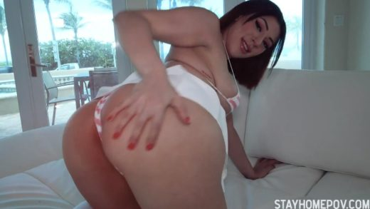 Fuck American Girl with Strapless Dildo