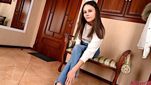 Liza Shay - Russian Woman Loves Double Dick