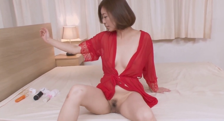 HITOMI - Tries anal sex with Japanese woman