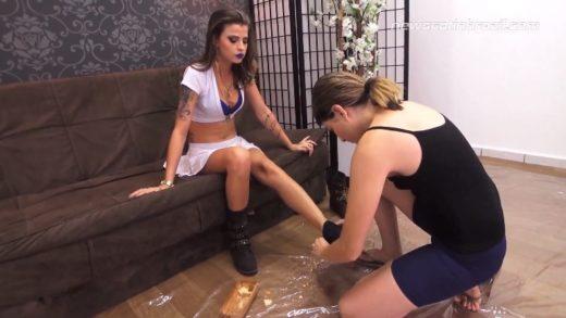 Bruna, Caroline Vibe - Brazilian scat porn lesbian