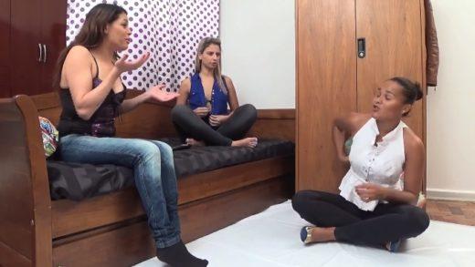 Carolyne, Mel, Lisa Black - Mobile SCAT porn