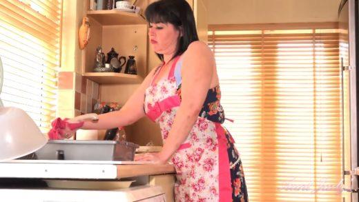 Janey - UK Amateur milf porn videos