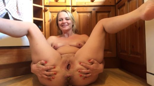 blonde scat porn