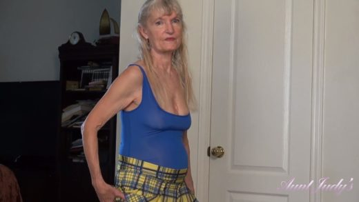 Diane - Fuck with Old Aunt