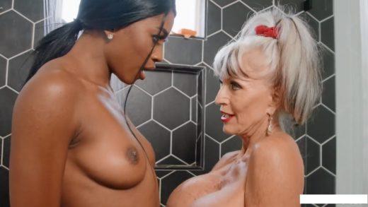 Sally D'Angelo, Nicole Kitt - Lesbian Porn with Old Woman